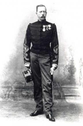 Anatole de La Fontaine.