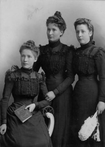 Les soeurs SURIREY